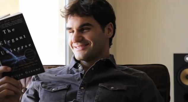 Federer_reads_book